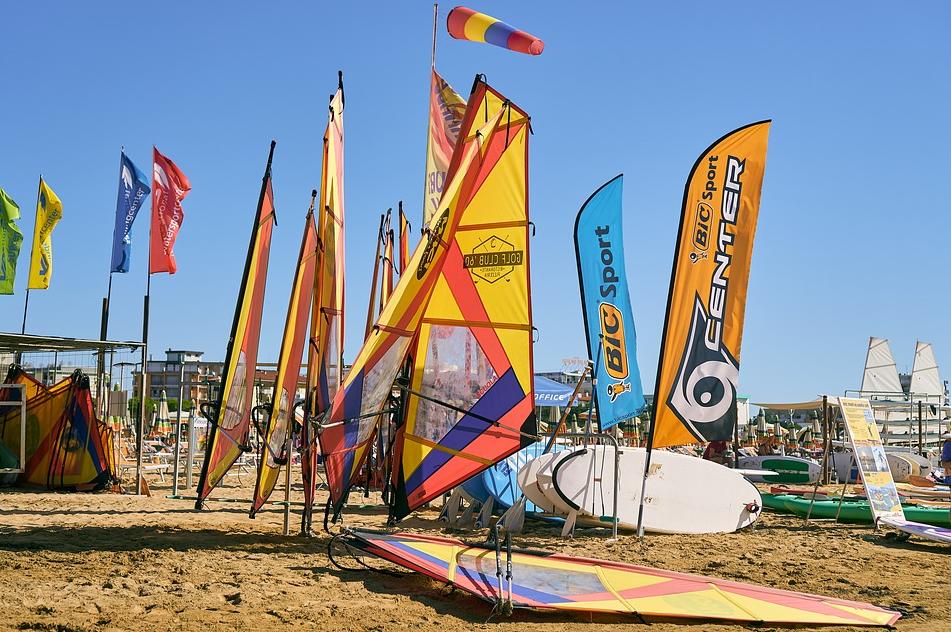 SUMMERSURF | Willkommen im besten Surfcamp Europas! Plane jetzt deinen Trip in die Sonne und lerne Surfen in Frankreich